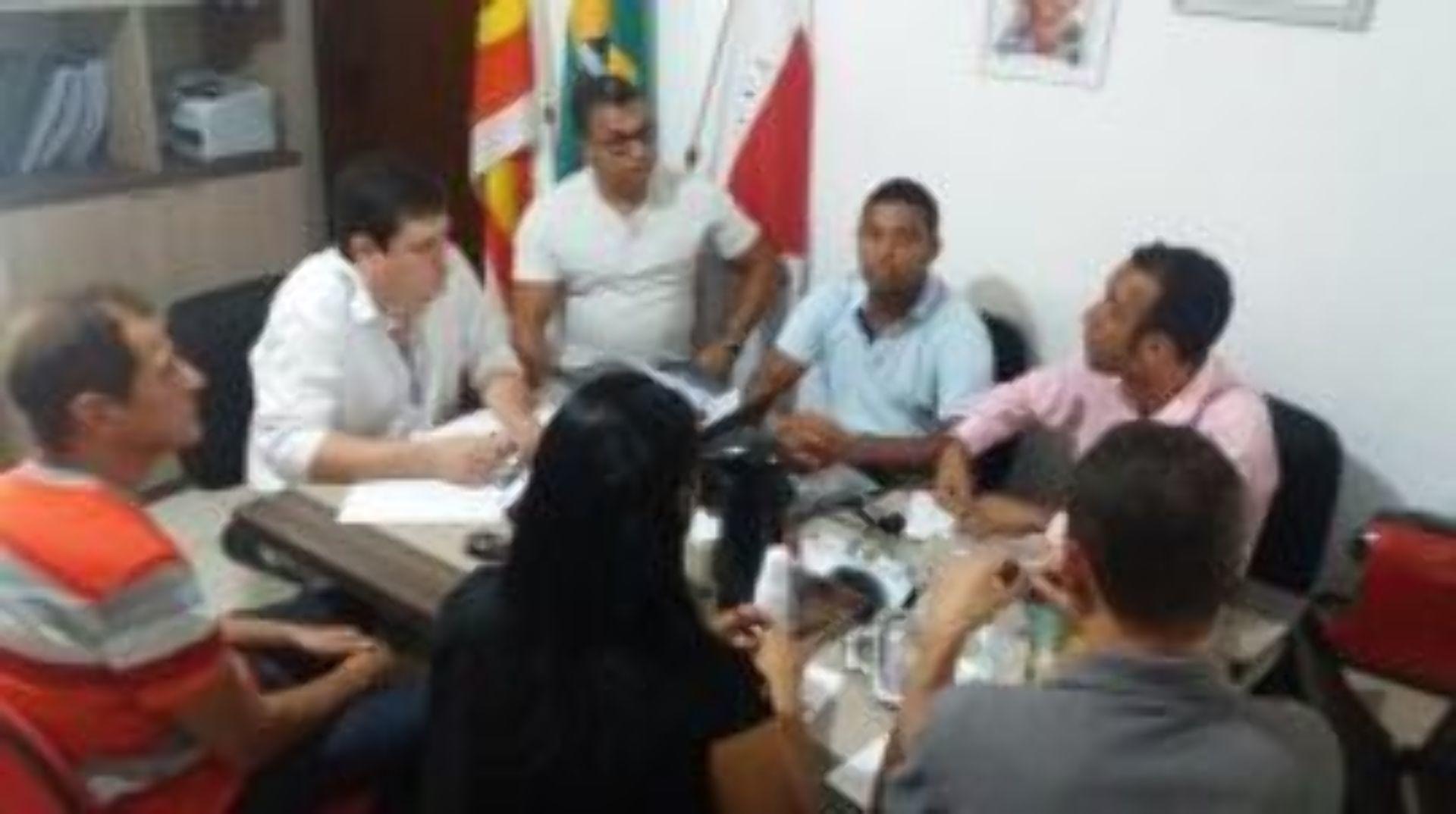 Vereadores de Ibirité apoiam SINTESC
