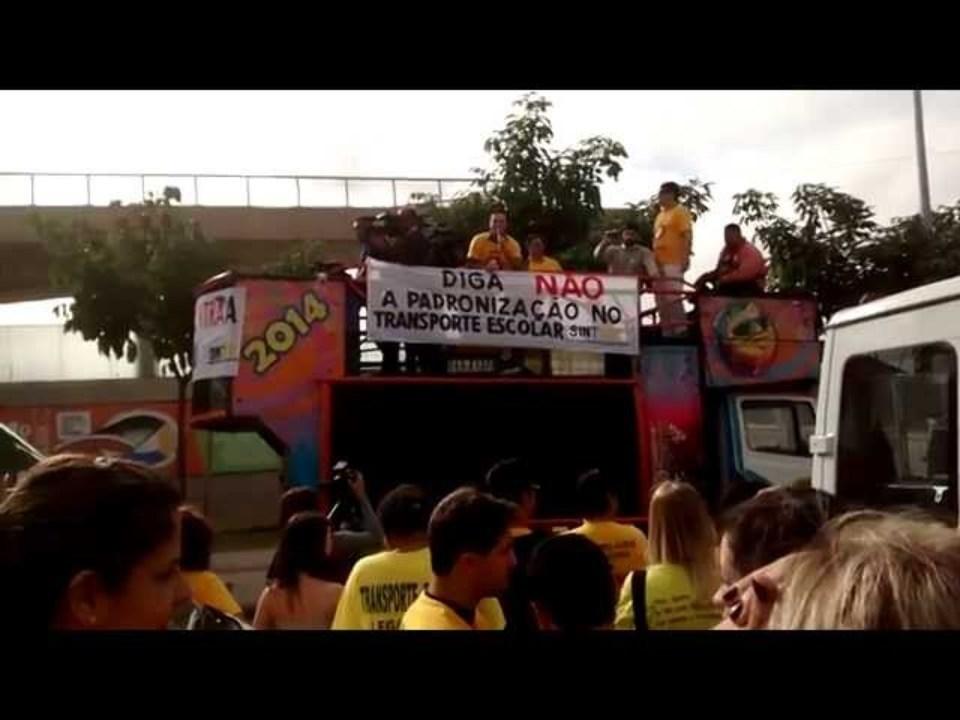 Discurso do Sintesc Protesto Padronização Transporte Escolar | Buscavan